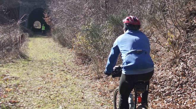 In bicicletta lungo le ferrovie dimenticate