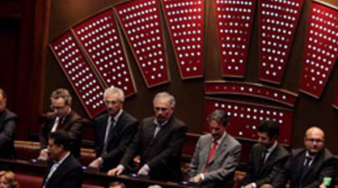 Mini taglio al numero di parlamentari 20 sei d 39 accodo for Numero senatori e deputati