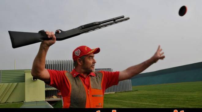 Renato lamera mira e freddezza da record mondiale for Rastrelliera per fucili softair