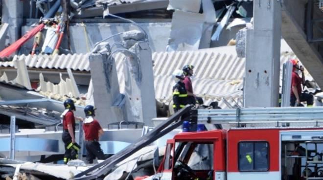 Capannoni crollati per il terremoto in Emilia