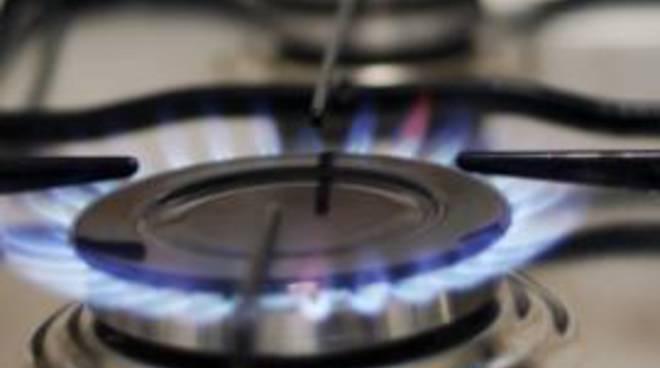 Bolletta del gas più cara del dovuto: Adiconsum sul piede di guerra
