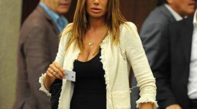 Nicole Minetti in Consiglio martedì mattina (foto corriere.it)