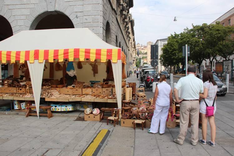 Bancarelle di Sant'Alessandro sul Sentierone