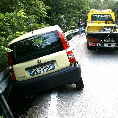 Incidente in Valle Imagna, traffico bloccato per un'ora