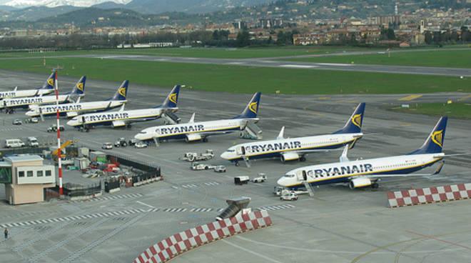 Traffico aereo orio vola sorpassato linate 7400 voli solo - Giardinia orio al serio ...