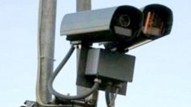 Telecamere a circuito chiuso all'incrocio della stazione di Ponte Nossa