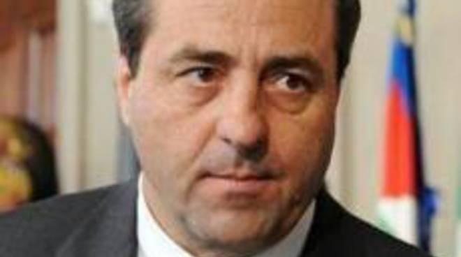 Ad Antonio Di Pietro un assegno di fine mandato da 58mila euro