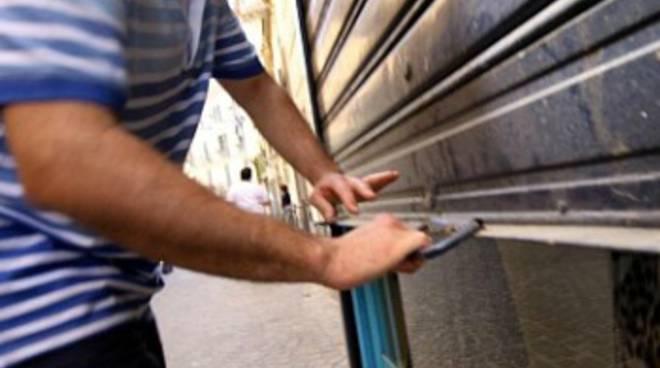Confesercenti dice no alle aperture dei negozi il 25 aprile e primo maggio