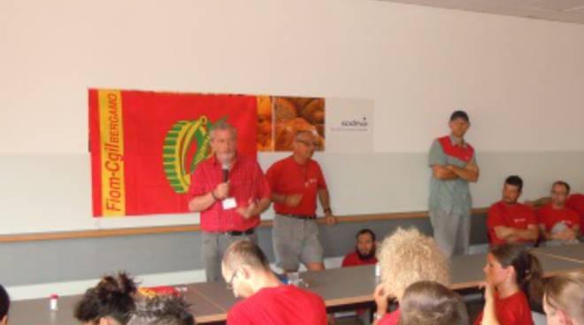 L'assemblea della Fiom Cgil alla Brembo di Curno