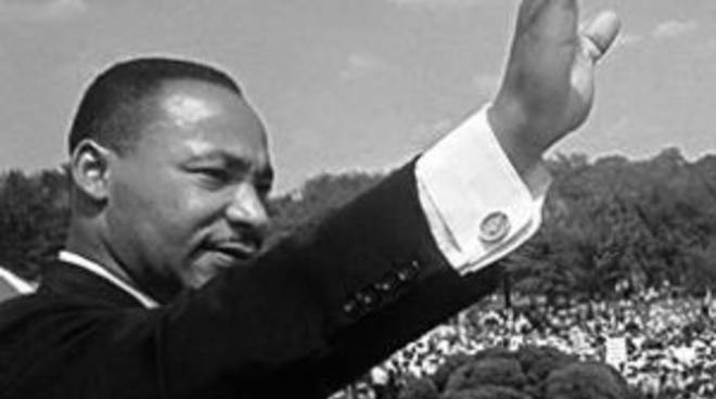 Il 28 agosto 1963 Martin Luther King pronuncia un discorso davanti al Lincoln Memorial di Washington