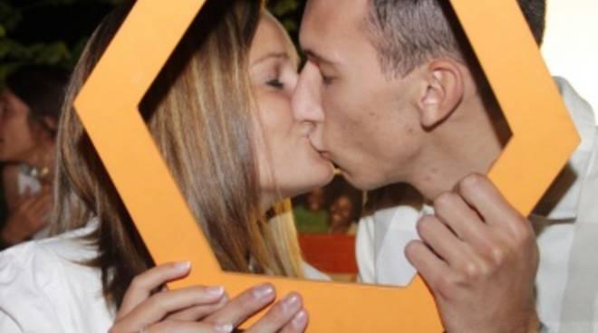 Baci che fioccano: scommessa vinta al Chiostro