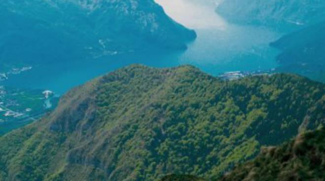 Il lago d'Iseo dalla cima del Monte Alto
