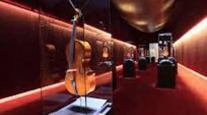 Museo Del Violino.Il Museo Del Violino Nella Splendida Cremona Citta Dalla Quale