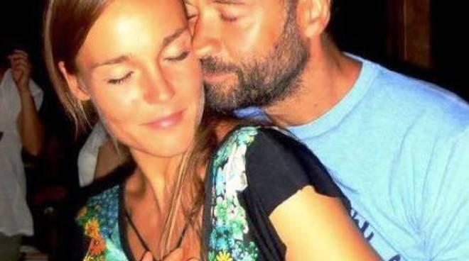 Fabio Volo con la compagna Johanna Hauksdottir