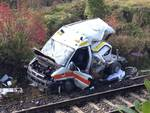 Pontida, treno investe ambulanza: due morti