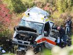 Treno travolge ambulanza, due morti a Pontida