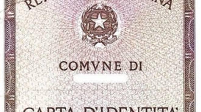 Mago delle truffe tradito dalla carta d'identità