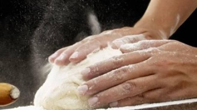 Un corso per imparare a fare il pane con le proprie mani