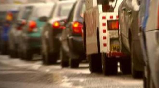 Traffico paralizzato sull'asse interurbano