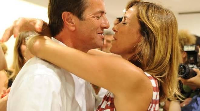 Giorgio Gori neo sidnaco di Bergamo con la moglie Cristina Parodi