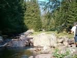 In Val Sanguigno, alla scoperta di un territorio ricco di acqua, pascoli, boschi e cime rocciose.