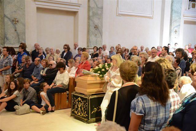 Ghiaie, folla di fedeli per l'addio ad Adelaide Roncalli