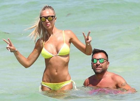 Laura Cremaschi, bikini hot a Miami