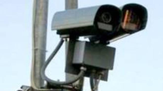 Presto le telecamere verificheranno anche i documenti dei veicoli