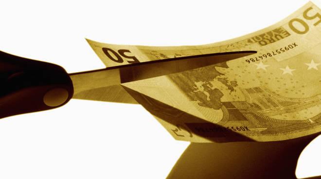 Taglio finanziamenti