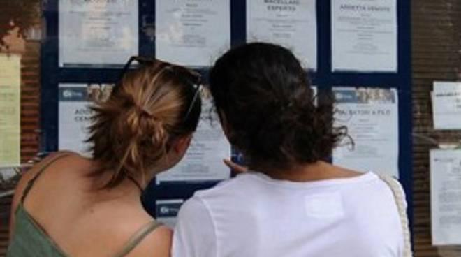 Eurostat, male l'Italia: un giovane su 4 non studia e non lavora