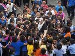 Maria Luisa tra i bambini dell'Ecuador