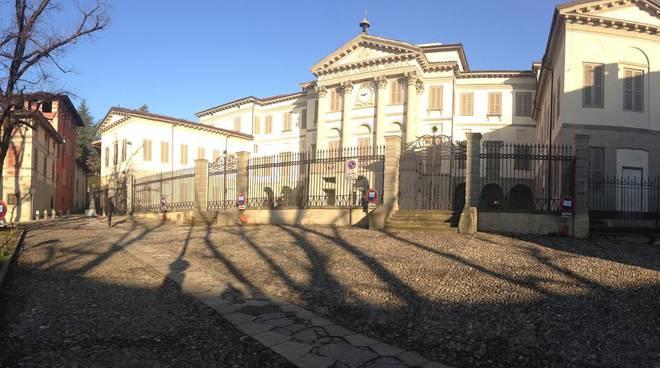"""Piazza Carrara """"liberata"""""""