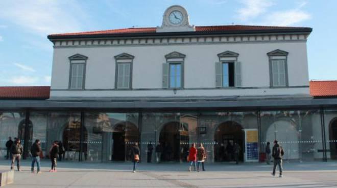 Stazione di bergamo funziona anche l 39 ascensore valesini - Treno milano porta garibaldi bergamo ...