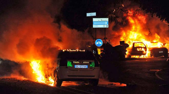 Auto bruciate bèrghem fest