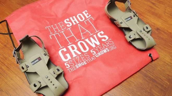 La scarpa che cresce