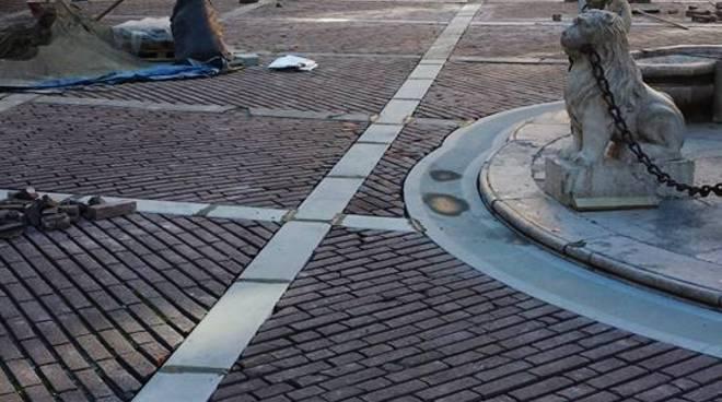 Lavori in piazza Vecchia