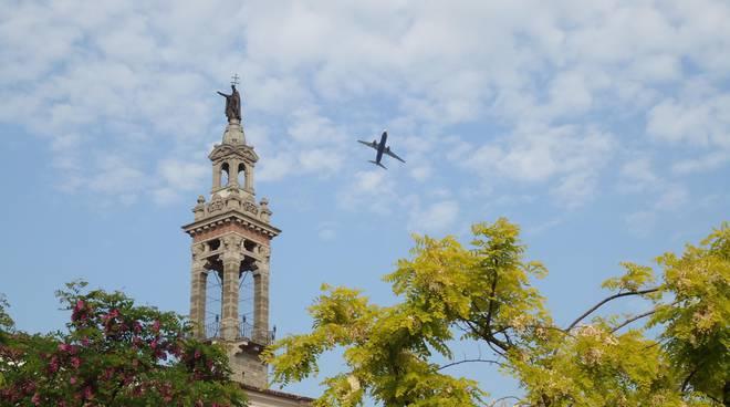 Aerei a Colognola (immagine tratta dal sito del'Associazione Colognola per il suo futuro)