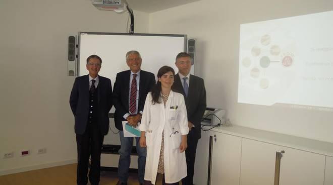 Da sinistra: Emilio Zanetti, Roberto Sancinelli, Carlo Nicora. Davanti a loro Clara Dibenedetto