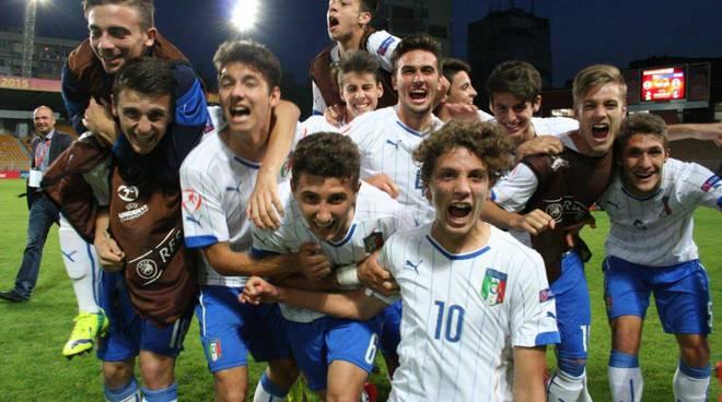I festeggiamenti degli Azzurrini (foto fb Nazionale Italiana di Calcio)