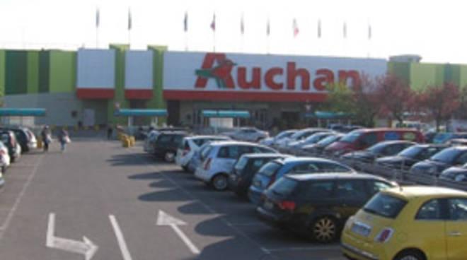 L'Auchan di via Carducci (foto auchan.it)