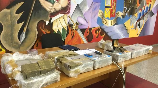 La droga sequestrata a Zingonia