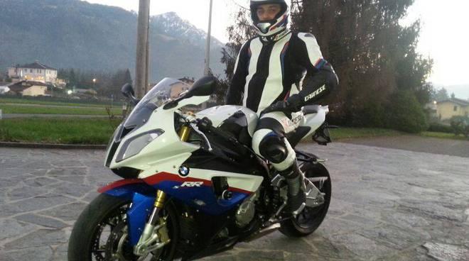 Mirko Benzoni con la sua moto