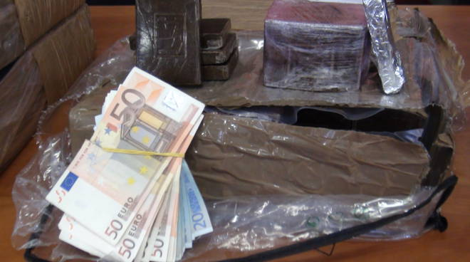 Sequestro di 360 kg di hashish