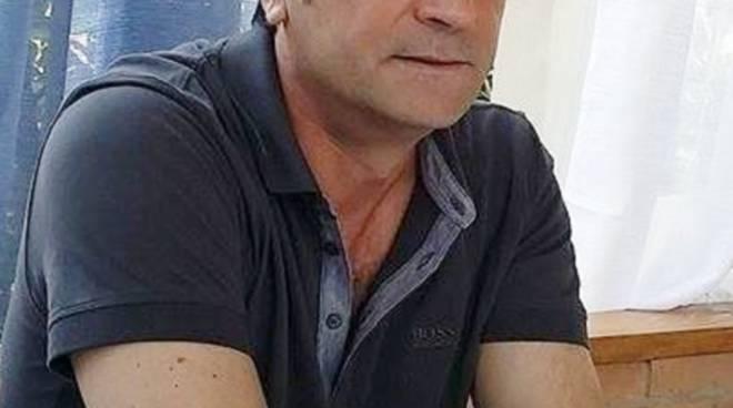 Arben Kolla, titolare del ristorante Odissea in via Previtali a Bergamo