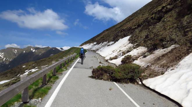 Il passo San Marco chiuso (foto da Valbrembanaweb.com)