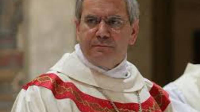 Il vescovo di Bergamo Francesco Beschi