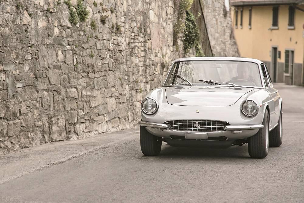 A spasso sulle Mura con la Ferrari 365 GTC
