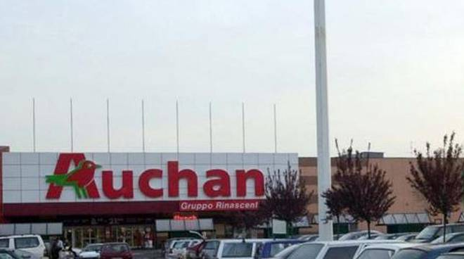 Esodi volontari per l'Auchan