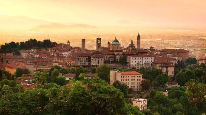 L'immagine scelta dal Jyllands Posten per promuovere Bergamo