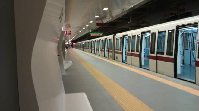 Tragedia nella metro a Roma